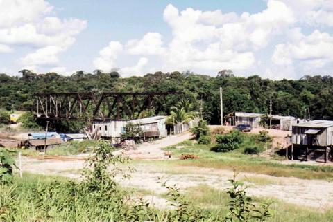 Vilarejo de Jací-Paraná, outra pequena concentração ao largo da BR