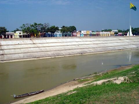 Margens do Rio Acre, na época da seca