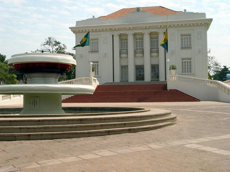 Palácio da época áurea da Borracha, no centro de Rio Branco