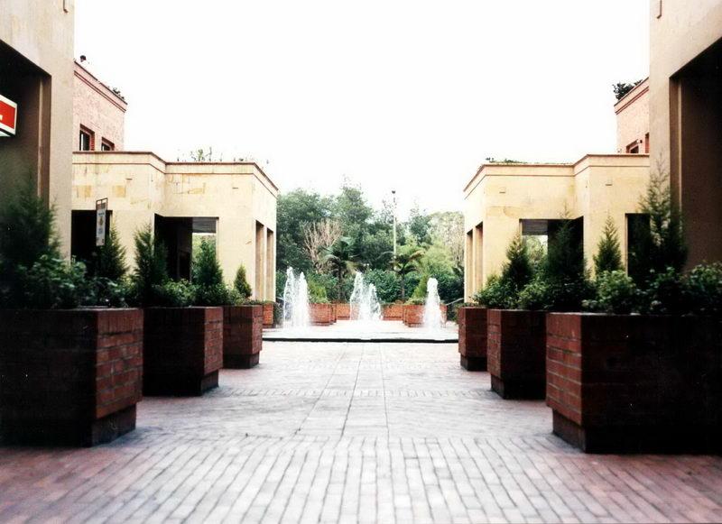 Praça interna ao Hotel