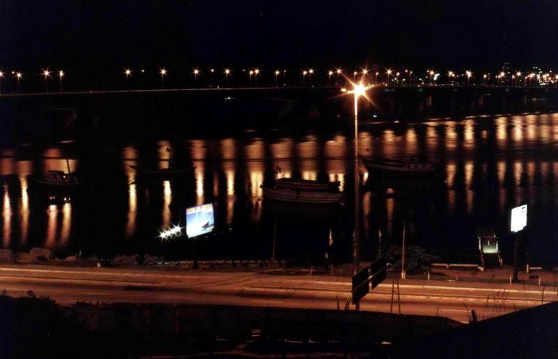 Nova ponte de concreto, também à noite